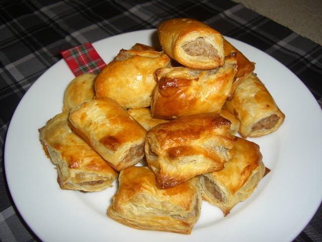 Scottish Sausage Rolls...Otherwise known as Pigs in a Blanket in other ...