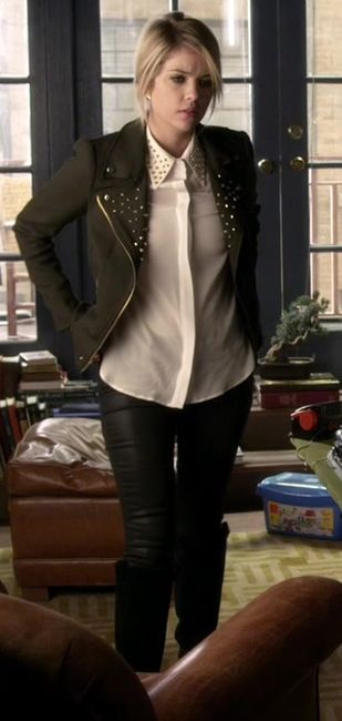 Hanna's black jacket with studded collar and white studded shirt on #PLL