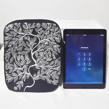 Gift this smart and elegant Black Quilted iPad sleeve and make your loved ones feel special.