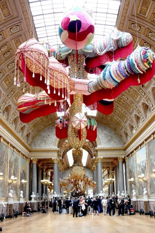 Royal Valkyrie, Joana Vasconcelos | photo © Sortiraparis.com. Expo Versailles, 2012