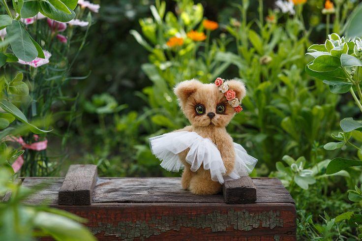 Artist collectible Teddy kitten Mia (OOAK) by TEDDYROOM on Etsy