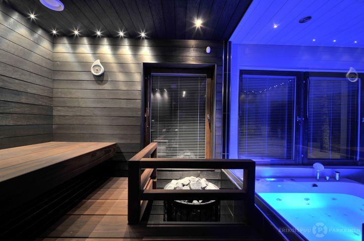 Amerikan Tulipuusta valmistetut tummat lauteet. #sauna #lauteet #erikoispuuparkkinen #saunabenches