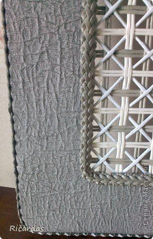 Поделка изделие Плетение Серая корзина Бумага газетная Картон Трубочки бумажные фото 14