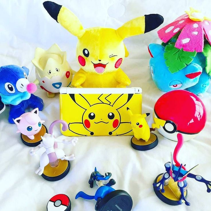 Good morning Nintendo fans! It's Wednesday here and a busy week for me.... bring on the weekend!!!! How are your weeks going? This sweet pokemon pic is by  @eidrianhideki  Pikachu Nintendo 3DS  _______________________________________ #pokemon #nintendo #nintendofan #gamer #pokemonsunandmoon #sunandmoon #pokemonsu n#pokemongreen #pokemonblue #pokemonyellow #pokemonred #pokemoncrystal #gameboy #3ds #2ds #new3ds #nintendo3ds #pokemoncenter #tomyplush #pokeplush #pikachu #pokemongo