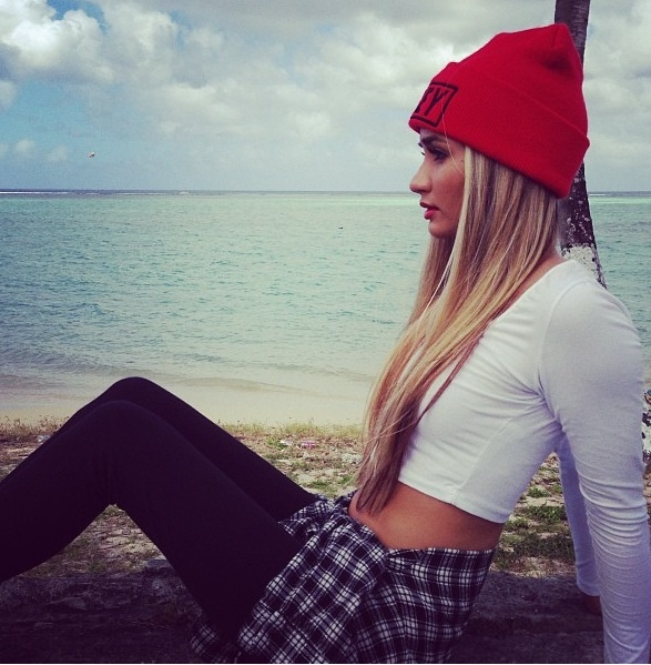 """Pia Mia has great style and a great voice with """"On My Mind"""""""