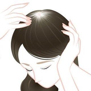 2016/11/05 18:58:45 deapres_hachioji こんにちは!!三浦です。  秋の抜け毛の原因。  1.夏の頭皮への紫外線  真夏の強い紫外線の影響で頭皮がダメージを受け、秋の抜け毛の原因になる人がいます。  2.汗やホコリなどによる頭皮の汚れ  夏は汗をかくので、頭皮が不潔になりやすく、雑菌の温床になります。また、汗をかくことによりホコリなどが付きやすくなったり、帽子などで頭皮が蒸れて負担が大きくなることから、抜け毛が増えるようです。  3.食欲不振による栄養不足  真夏の暑さによる食欲不振で、頭皮の栄養不足が起こり、髪の毛が抜けやすくなります。  4.睡眠不足  夏の暑さで寝苦しくなりますが、睡眠不足は発毛によくありません。髪の毛の成長ホルモンが最も多く分泌されるのは睡眠中で、髪の毛は寝ている時に育つからです。  5.頭皮の乾燥  夏のエアコンや扇風機の風が髪の毛を乾燥させ、髪をパサパサにして抜け毛を増やします。髪の毛の外側の層はキューティクル(毛表皮)と言われ、髪の栄養や水分を保護する役割があります。…
