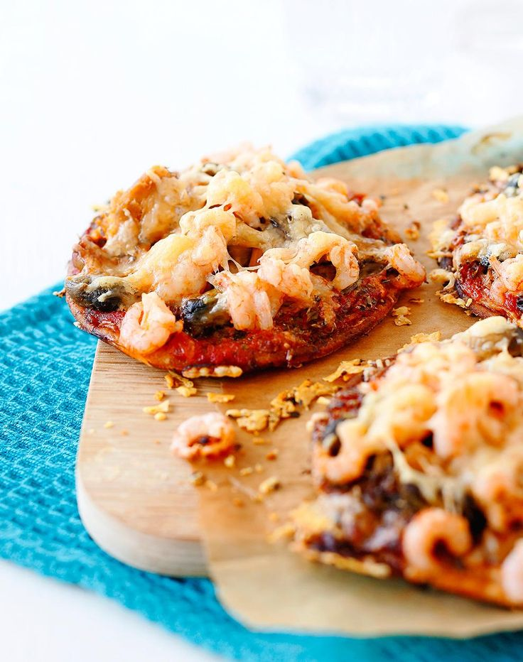 Nopeat frutti di mare -pizzat // Frutti di Mare Mini Pizza Food & Style Elina Jyväs Photo Joonas Vuorinen Maku 2/2014, www.maku.fi