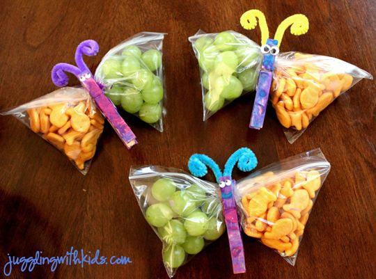 10 Fun Ideas to Enjoy A Summer Picnic With Kids | eatwell101.com. Nx