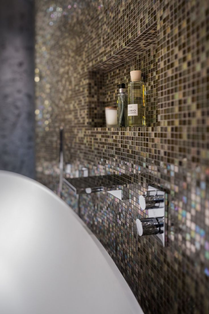 Van Boven - Luxe Badkamer - Luxe badkamer inspiratie met glasmozaïek