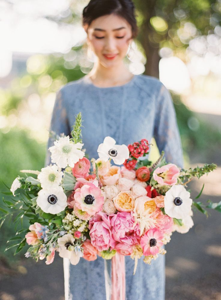 Anemone and dahlia wedding bouquet: Photography: Nathalie Cheng - http://www.nathaliechengphotography.com/