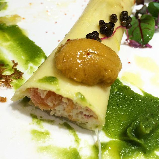 스페셜 타르타르. 성게알 캐비어 관자가 들어간 까넬로니. 나는야 우니 귀신 냐무냐무 촵촵 Special tartar with caviar sea urchin(Uni) and scallop #oreno #orenoseoul #오레노 #성게알 #캐비어 #애피타이저 #俺の #俺のフレンチ #俺のイタリアン #うに #キャビア #appetizer #Italiancuisine #cannelloni #uni #seaurchin #이태원맛집 #Itaewon #seoulfoodie #먹방 #맛스타그램 by sj.ji