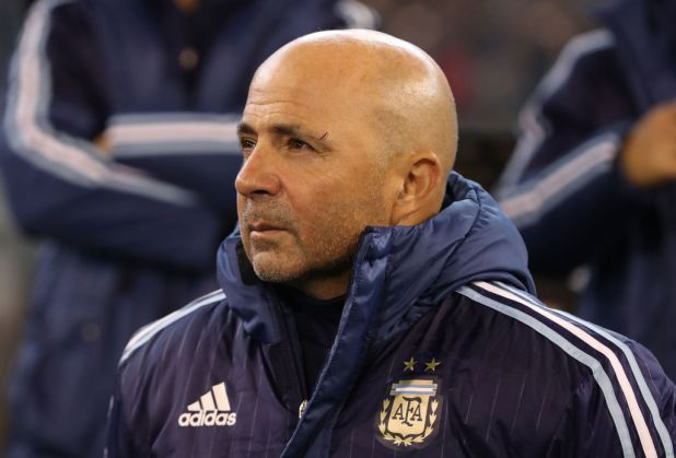 Argentina manager Jorge Sampaoli filmed insulting police          Through   Benjamin Newman    Created on: December 26 2017 nine:32 am  Final Up to date: December 26 2017  nine:33 am   Jorge Sampaoli vs Argentine police  A video of Argentina supervisorJorge Sampaoli went viral on Christmas Day in South The usa.  Simply six months earlier than the 2018 Global CupSampaoli was once filmed in hassle with native police.  As reported on OleSampaoli was once in a automotive…