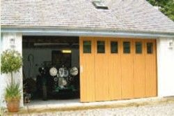 Rundum Meir Garage Doors - Round the Corner Garage Door - timber and steel bespoke garage doors UK