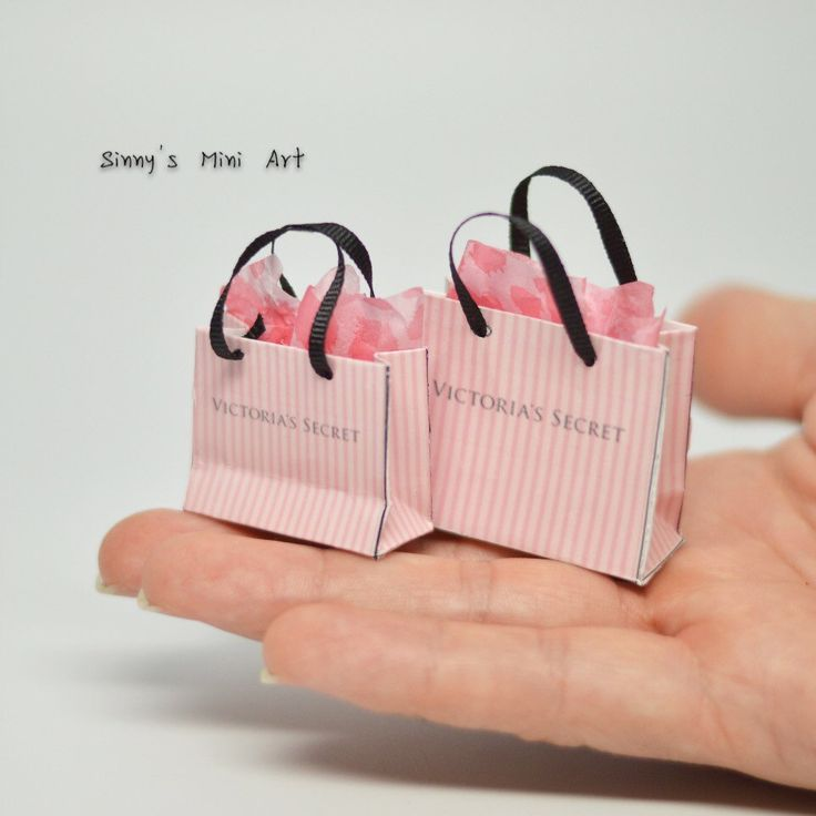 281 best images about Dollhouse Miniature Purses, Bags & Shoes on ...
