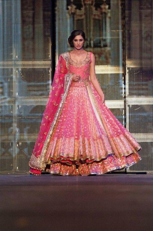 manish malhotra nargis fakhri pink gold anarkali lengha 2
