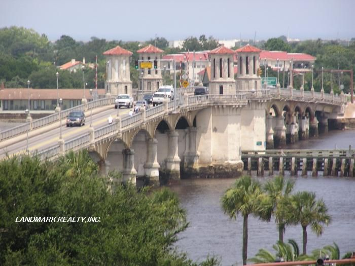 St Augustine Florida is the oldest city in the US, founded over 500 years ago by the Spanish looking for the Fountain of Youth. This is an extraordinary city, full of fun.