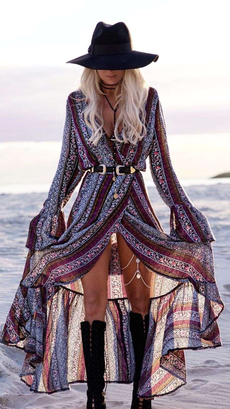best 520 boho styles images on pinterest 70s hippie fashion ball gown and beautiful clothes. Black Bedroom Furniture Sets. Home Design Ideas