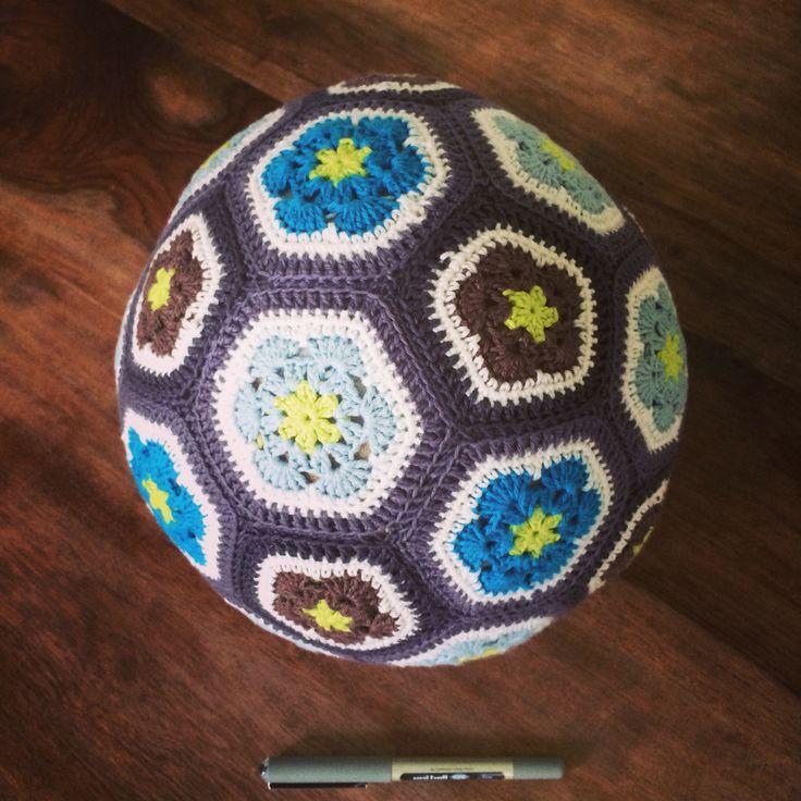 African flower ball. Hæklet til min yngste søn.