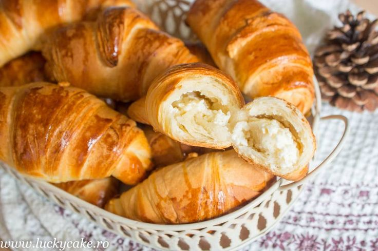 Salted cheese croissants
