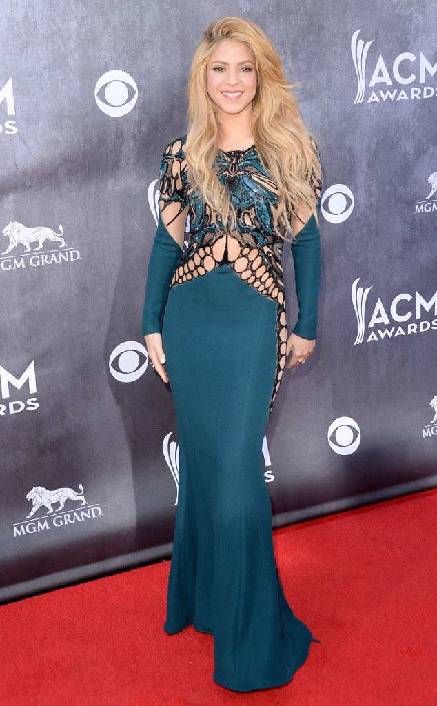 Shakira opts for a fashion foward Zuhair Murad design at the 2014 ACM Awards.