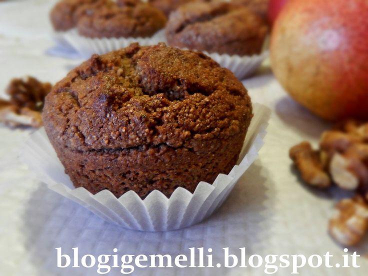 Muffin di grano saraceno alle pere e noci http://blogigemelli.blogspot.it/2014/07/muffin-di-grano-saraceno-alle-pere-e.html#more