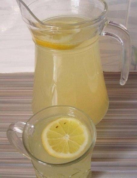 citrónovo zázvorový nápoj ne jen pro chladné dny