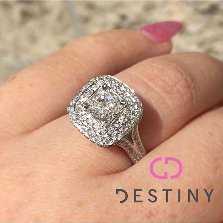 Proposals!!! She Said Yes!   #proposals #shesaidyes #ido #destinyjewellers