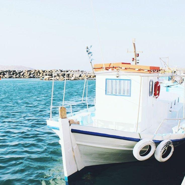 Charming fishing village of Naoussa, Paros island | Paros island guide, travel blogger shots
