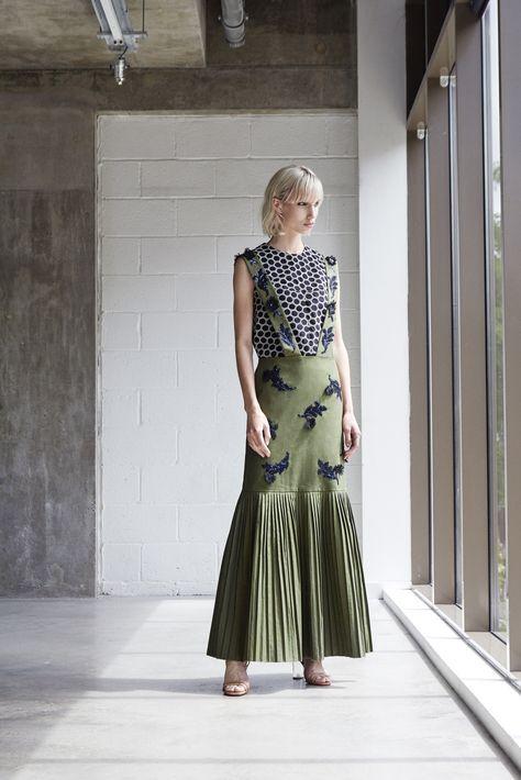 Huishan Zhang Resort 2018 Fashion Show Collection