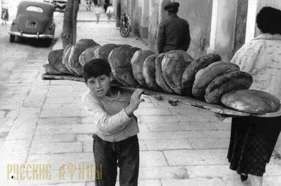 Остановись мгновение http://feedproxy.google.com/~r/russianathens/~3/70IgAkRwrfc/19770-ostanovis-mgnovenie.html  Сегодня Афины – столица Греции, современный мегаполис с сумасшедшим ритмом жизни. Город, где кроется античная история в каждом укромном переулке, в тихом квартале и среди романтичных улиц.