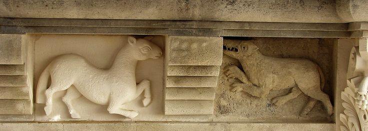 Sculpture ornementale, agneaux et loup en pierre calcaire, cathédrale de Périgueux, architecte OUDIN Acmh, atelier ROMEL