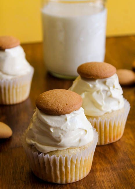 Vanilla wafer cupcakes with banana pudding frosting