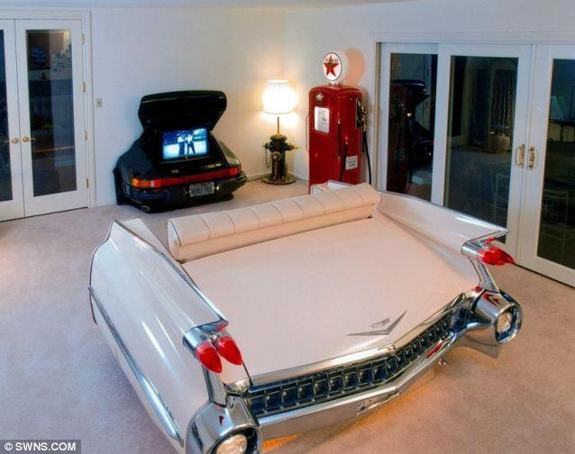 Cadillac couch - too cool! Now all we have to do is fill that trunk up with ice & beer...