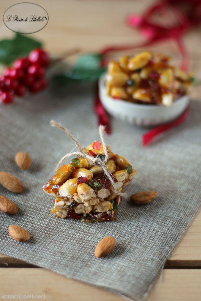 Crunchy Christmas almonds | Croccante alle mandorle natalizio | Le Ricette di Libellula