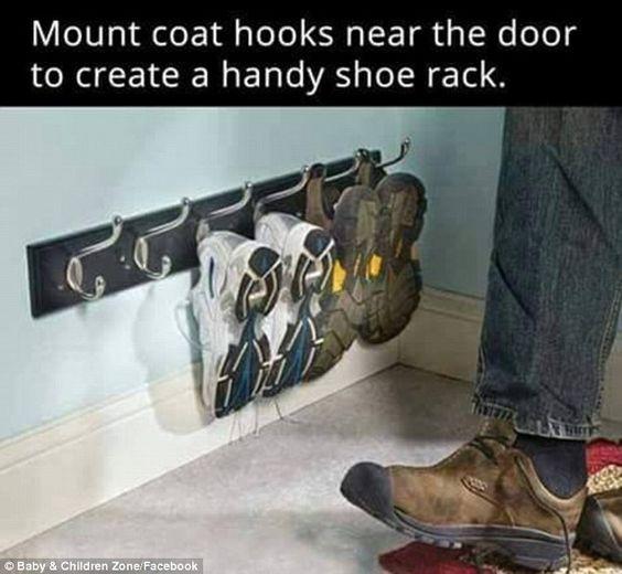 Hey das ist ja mal ne geniale Idee!!! Macht sich sicher auch gut mehrere Reihen davon auf der Türe!