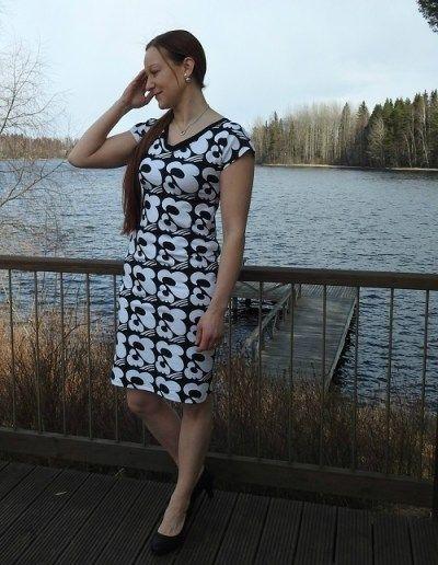 Kauniit, hyvin istuvat mekot japaidatjännittävillä yksityiskohdilla.