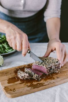 Sesame Crusted Seared Tuna Salad Bowl I An easy to make weeknight dinner recipe.