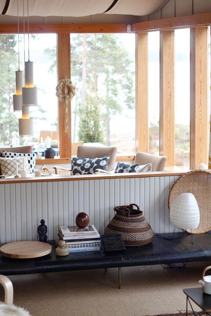 Rakastan Alvar Aallon töitä, Marimekon värikästä maailmaa sekä 50-luvun arkkitehtuuria ja suomalaista kotisielunmaisemaa. Tämän monet teistä lukijoista varmasti tiesivätkin tai...
