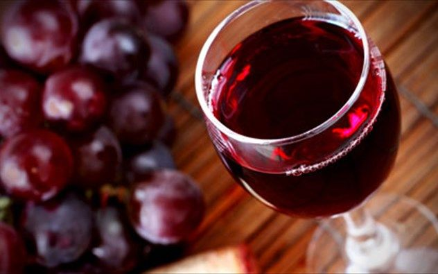 Ο Βενιαμίν Φραγκλίνος έλεγε ότι «Το κρασί είναι η μόνιμη απόδειξη ότι ο Θεός μας αγαπά και θέλει την ευτυχία μας».  Συνοδεύστε τα πιάτα σας με ξηρό ή ημίγλυκο κρασί Νεμέας και αγαπήστε τις ευεργετικές του ιδιότητες.  http://goo.gl/Pwu0I9  #Τηγανιές& #Σχάρες #Ψητοπωλείο #Θεσσαλονίκη