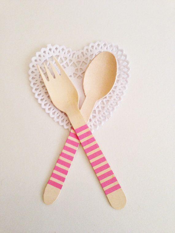 10+Cucchiai+di+legno+a+righe+rosa+orizzontali+/+12+by+Partytude,+€4.75