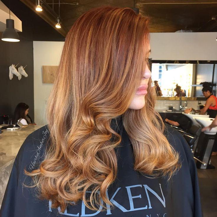 reddish brown hair wih caramel balayage highlights