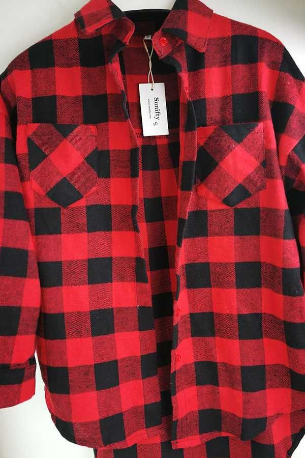eb3077991dd Vintage Overszied Red Black Plaid Flannel Tee Shirt Button Up in ...
