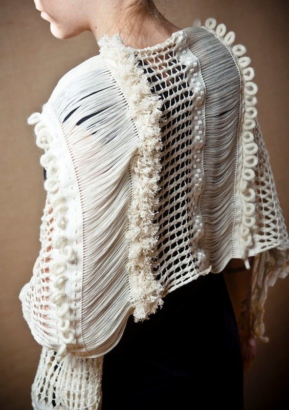 White Arete - Handwoven shawl | Tellalis.com - promoting creativity