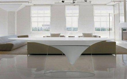 Calla Table