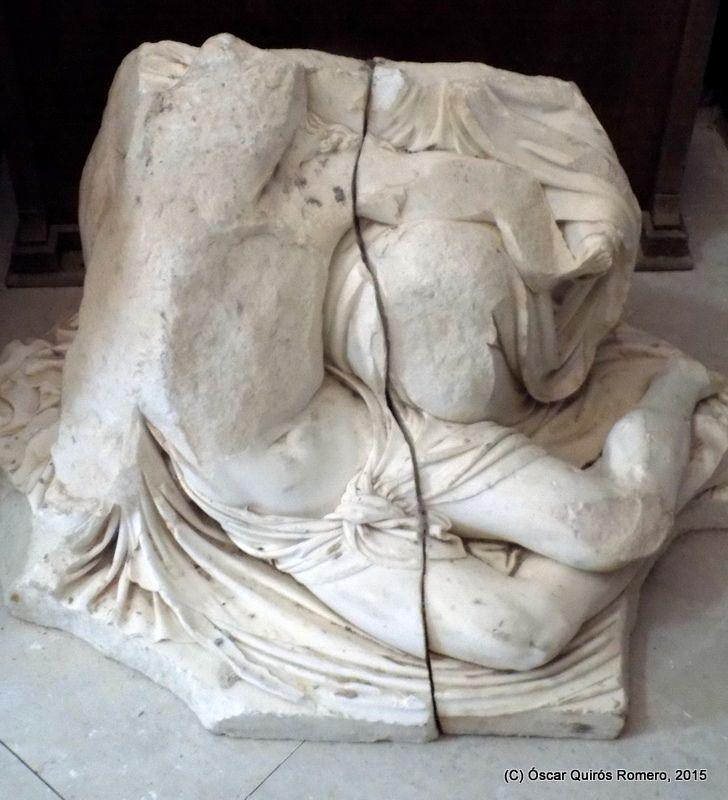 Escultura de mármol blanco depositada en el Santuario de Nuestra Señora de Riánsares
