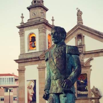 Da Praça do Município à Antiga Judiaria, no Centro Histórico da Covilhã há muito por descobrir. Traga a família e de caminho aproveite para dar um salto à Serra da Estrela! #SerraDaEstrela #Portugal #Covilhã #Neve #Família #ViagensEVantagens