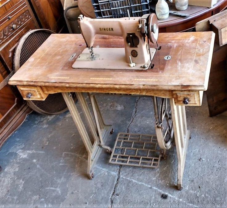 Mesa Y Máquina De Coser  ◘  Antigua máquina de coser Singer de pedal y polea, montada sobre una mesa ALFA. ◘  Ref:R0740  ◘  Realizamos envíos  ◘  Comparte en tu red social   ◘  P.V.P 60€