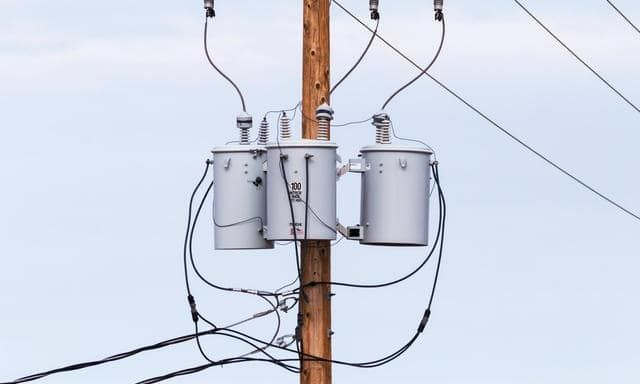 Three Phase Transformer Basics And Connection Methods Transformers Design Single Phase Transformer Transformers