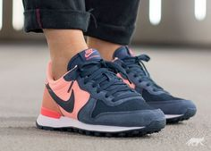 Nike Wmns Internationalist Print (Sunset Glow / Squadron Blue - Vivid Purple)