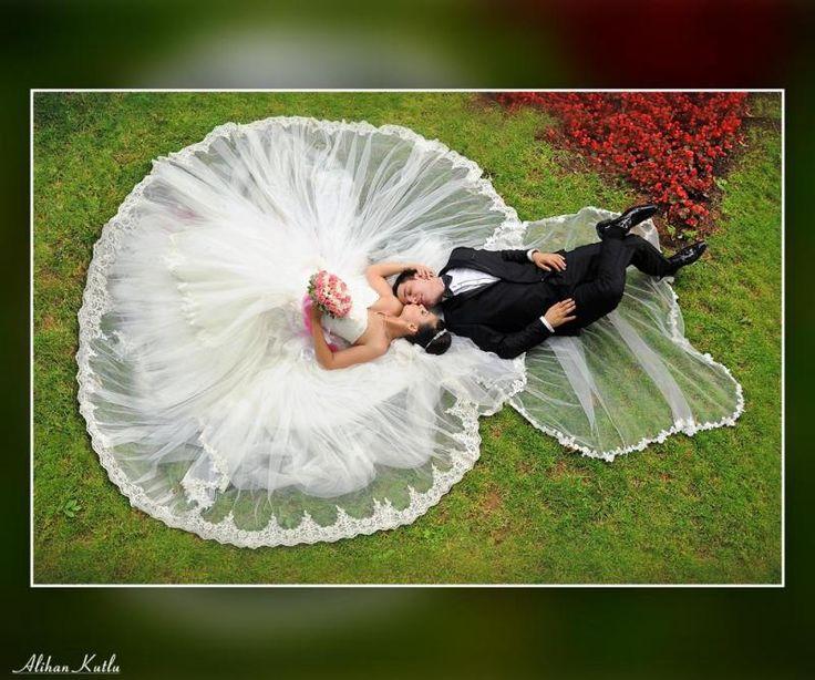 #wedding #dugunhikayesi #trashthedress #savethedate #gelinlik #gelindamat #dugunfotografi #bride  #weddingfilm #weddingstory #weddingphotography #love #düğünfotoğrafları #photographer  #aşk #istanbul #trashday #dugunfotografcisi  #romantic #evlilik #lalfotoğrafçılık #alihankutlu